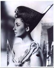 Elisabeth Taylor Cleopatra stills 01