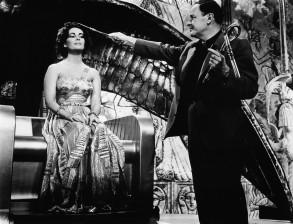 Joseph L. Mankiewicz mit Liz Taylor