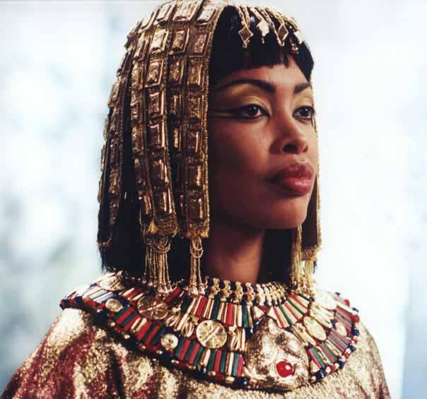 Moderna bilder av Kleopatra - Nya Varianter i en medial korsbefruktning (del 3) (1/6)