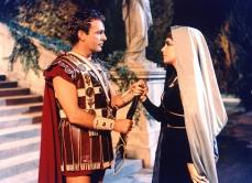 Elizabeth Taylor Cleopatra 17