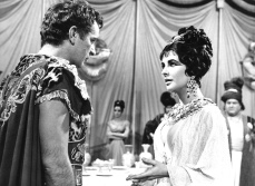 Elizabeth Taylor Cleopatra 18