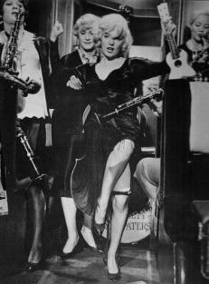 Marilyn Monroe dance some like it hot i hetaste laget