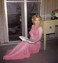 Marilyn Monroe Marilyn reading