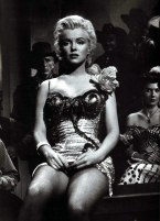 Marilyn Monroe River of No return Yellow Dress 10