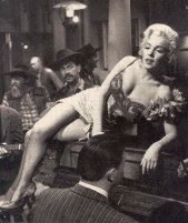 Marilyn Monroe River of No return Yellow Dress 8