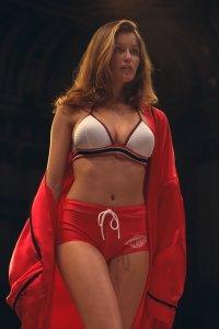 LAETITIA CASTA VICTORIA'S SECRET FASHION SHOW IN NEW YORK 1997