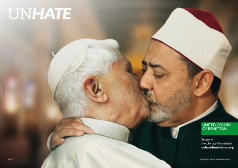 Benetton_Unhate_catholic POPE påve kiss kyss sheik AL-TAYEB
