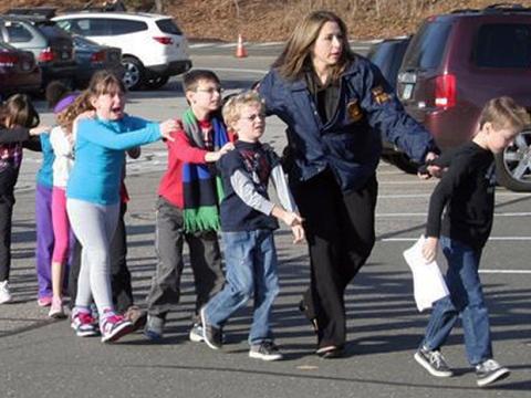 Sandy Elementary school Newron schoolchildren school shooting skolmassaker