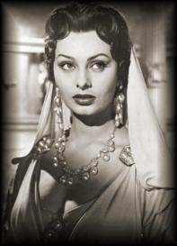 Sophia Loren still_1954_attila2