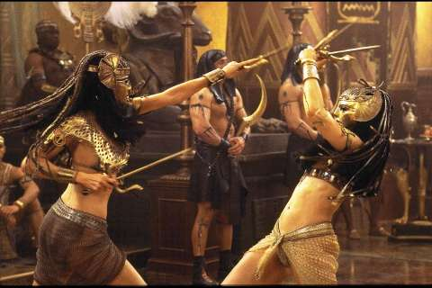The Mummy Returns Rachel Weisz & Patricia Velasquez Sai Egypt